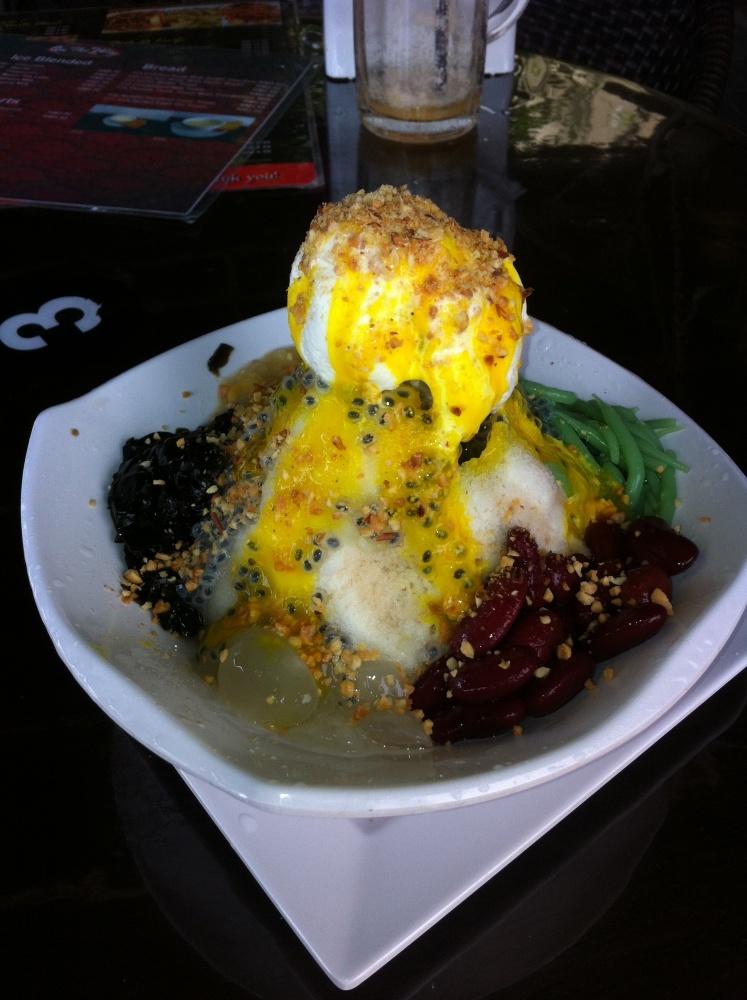 Lecker Cendol mit Bohnen und Mais ;)